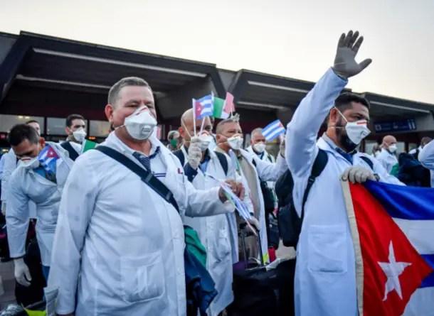 """Los """"médicos internacionalistas"""" cubanos y el virus chino"""