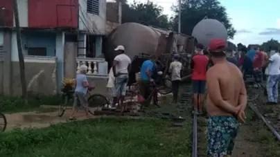 Un tren se descarrila e impacta varias viviendas en Ciego de Ávila