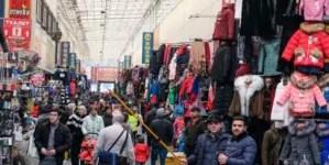 """Entre """"mulas"""" y trabajadores: miles de cubanos varados en Rusia por la COVID-19"""