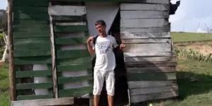 """""""Me he cansado de pedir ayuda"""", denuncia cubano portador del VIH"""