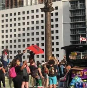 Polémica por bandera del Che Guevara en protestas contra racismo en Miami