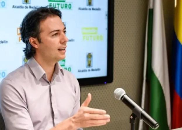 Polémica en Colombia: alcalde de Medellín pidió ayuda a médicos cubanos