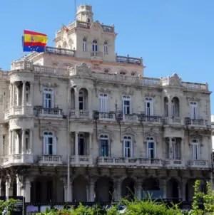 Cubanos varados en la Isla podrán regresar a España con permiso especial