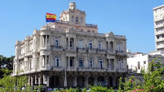 Embajador español en Cuba amonestará al autor de rudos comentarios en Twitter