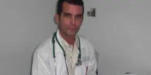 Médico cubano denuncia tortura psicológica con situación de su madre