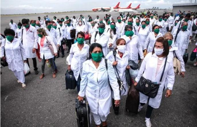 """Piden a UE que interceda ante Cuba por """"esclavitud"""" en misiones médicas"""