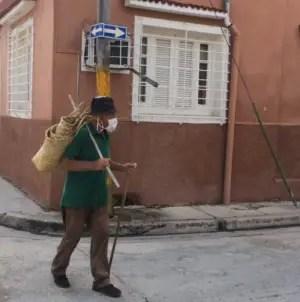 Morir de hambre o de coronavirus, los retos de los ancianos en Cuba