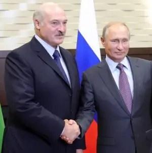Putin asegura que tiene listas 'fuerzas policiales' para ayudar a Lukashenko