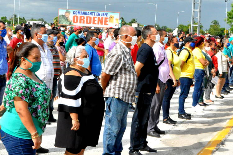 Granma, Cuba, Bayamo, Grupos de enfrentamiento a revendedores, acaparadores y coleros