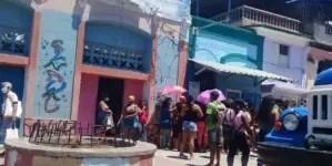 Ofensiva contra coleros deja 54 multas y 34 detenidos en Santiago de Cuba