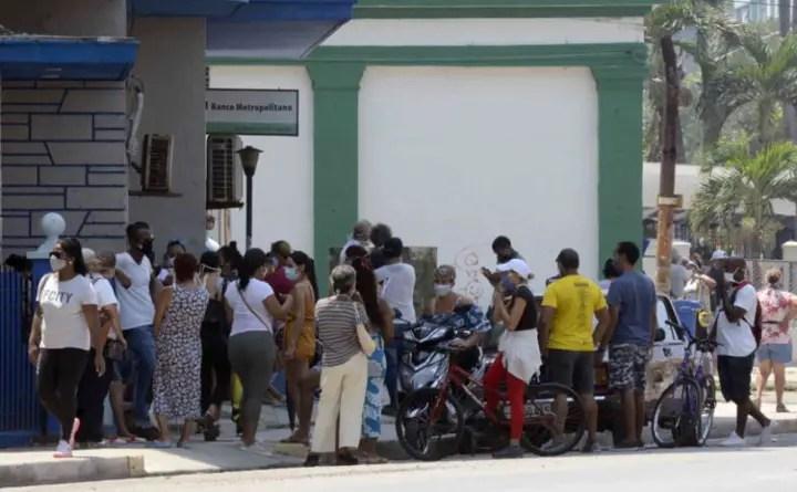 Prensa oficial pide más sanciones para quienes violen distanciamiento social