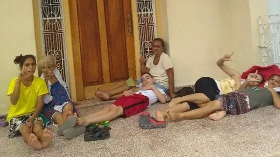Familia opositora en huelga de hambre solicita refugio a la Iglesia católica