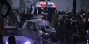 Muere un hombre en la Vía Blanca tras chocar su vehículo contra un camión