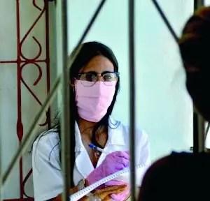 Cuba cierra la semana con otros 45 casos de COVID-19 y dos fallecidos