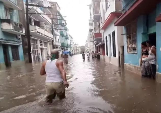 Casas inundadas y drenajes colapsados: La Habana tras las lluvias de ayer