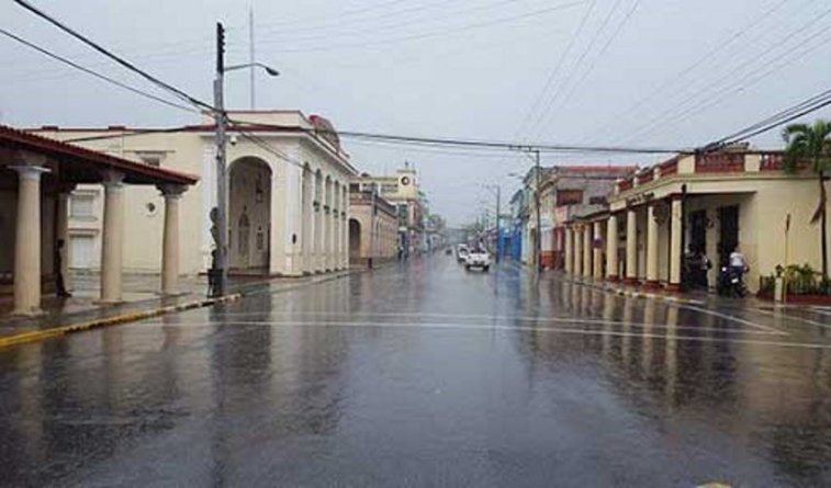 Huracán Delta deja lluvias y vientos de hasta 70 km/h en occidente de Cuba