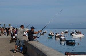 Cuban Fishing, 3-7-15, Malecon By francois.sorrentino Via Creative Commons.