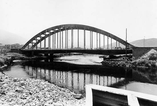 A ponte que quase afundou. cfoto007g