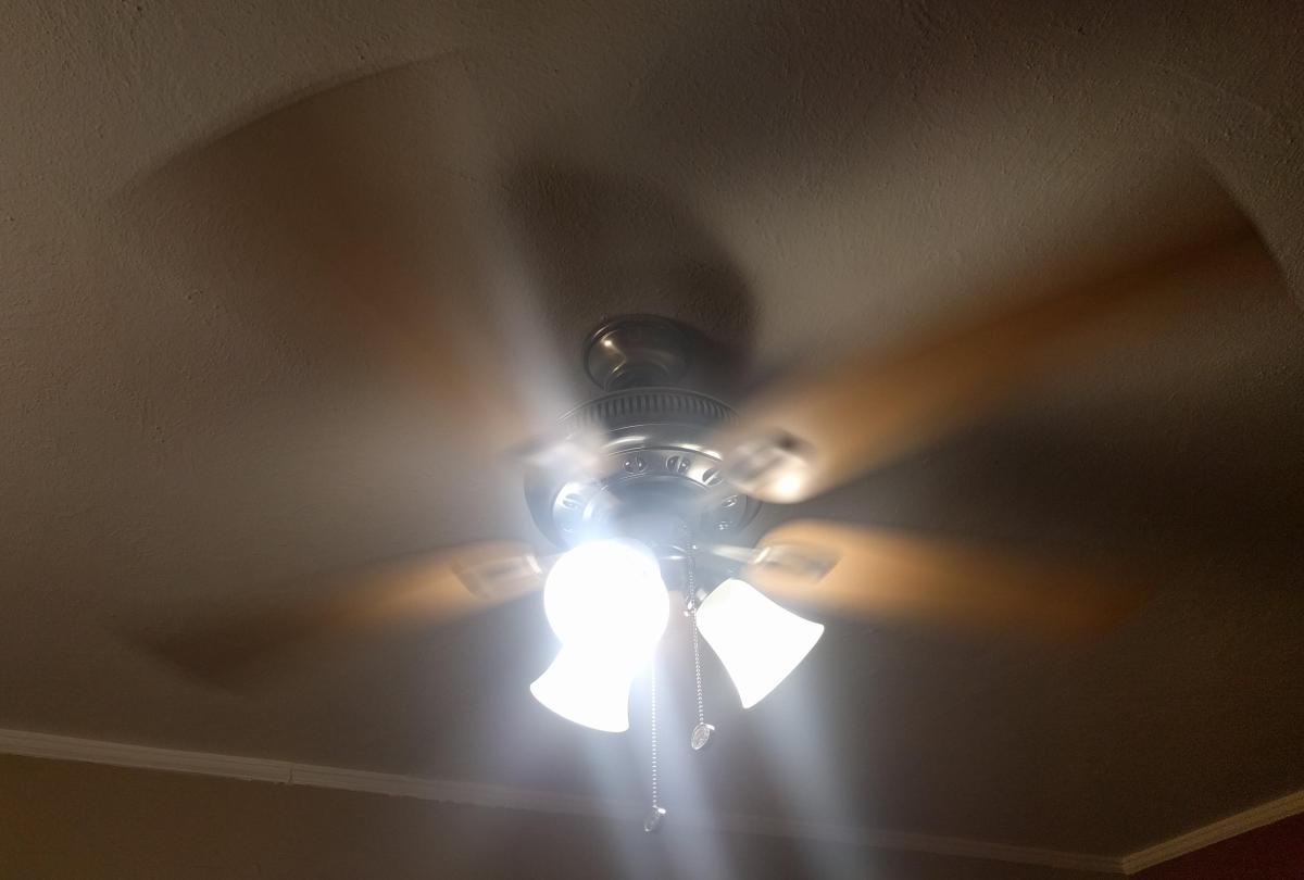 Ceiling Fan Spinning-02