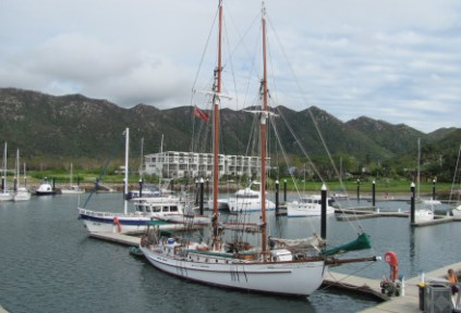australia-townsville-by-kirstin-bebell-boats-2012