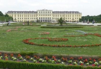 austria-vienna-by-sarah-grimsdale-schoenbrunn-palace-spring-2011