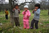 bhutan-bumthang-by-lindsey-weaver-bhutanese-children-2006