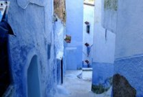 morocco-chefchaouen-by-sarah-kate-hartt-blue-alley