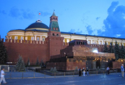 russia-moscow-by-sarah-westmoreland-lenins-mausoleum-and-moscow-kremlin-2007