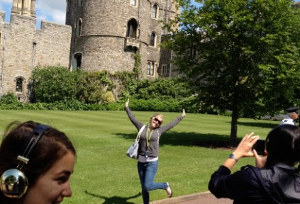 shakespearegs_by-david-glimp-student-posing-in-front-of-castle