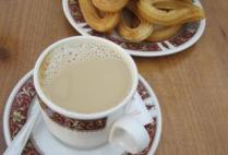 spain-madrid-by-hilary-terrell-cafe-con-leche-y-churros-2011