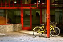 argentina-rosariogs_by-kristina-lu-yellow-bike-red-pole-2014