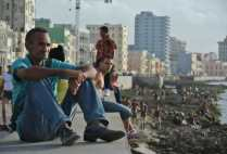 cubapoliticalgs_by-lindsay-wiebold-typical-evening-on-the-malecon-2012