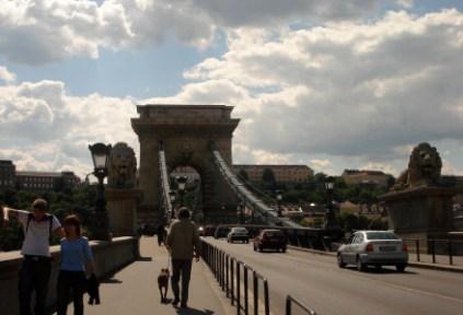 hungary-budapest-photographer-unknown-chain-bridge-2006