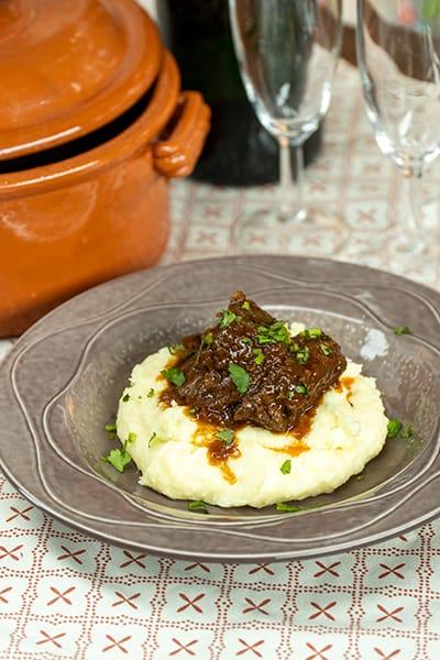 Carne de panela com puré de batata