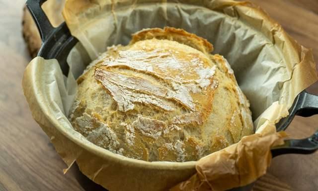 Pão na panela