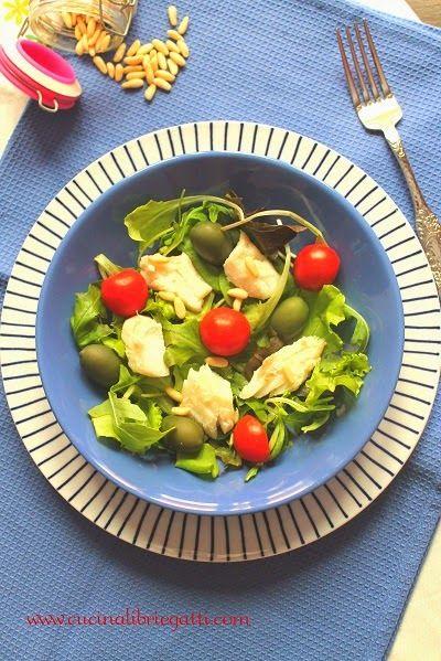Insalata di merluzzo con olive e pinoli