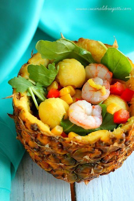 Insalata con ananas e gamberi