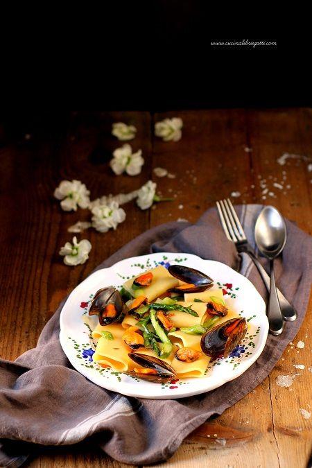 paccheri cozze e asparagi