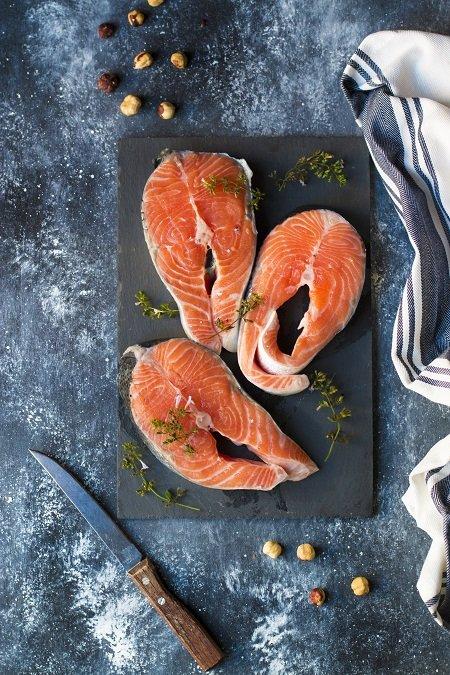 Tournedos di salmone con burro alle nocciole