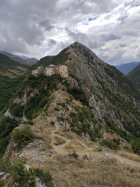 sentiero geologico gole del sagittario