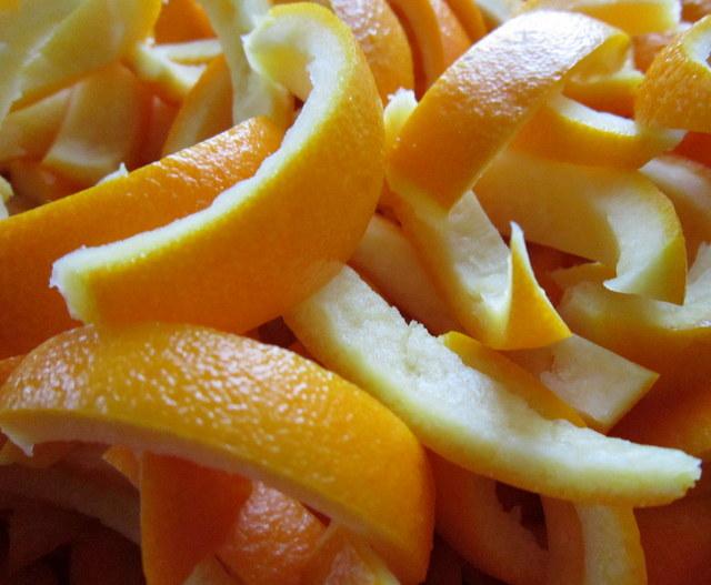 Scorzette di arancia candite.