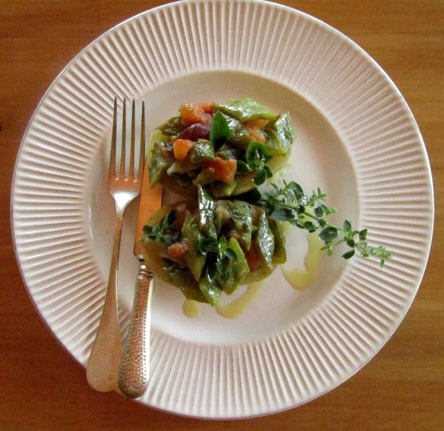 Taccole e patate, un secondo piatto veloce e leggero