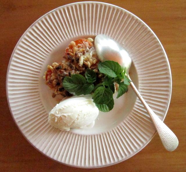 Dessert di albicocche, pronto in dieci minuti