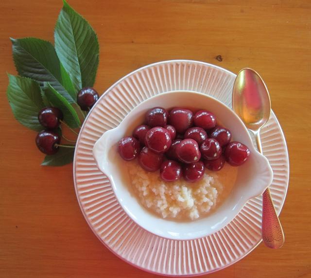 Ciliegie in sciroppo speziato. Dessert o prima colazione sano e facile da preparare
