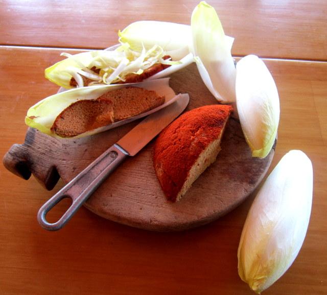 Formaggio vegan – crudista, di semi, aromatizzato alla Paprika