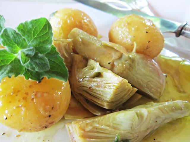 Aglietto con patatine novelle, carciofi e nepitella selvatica