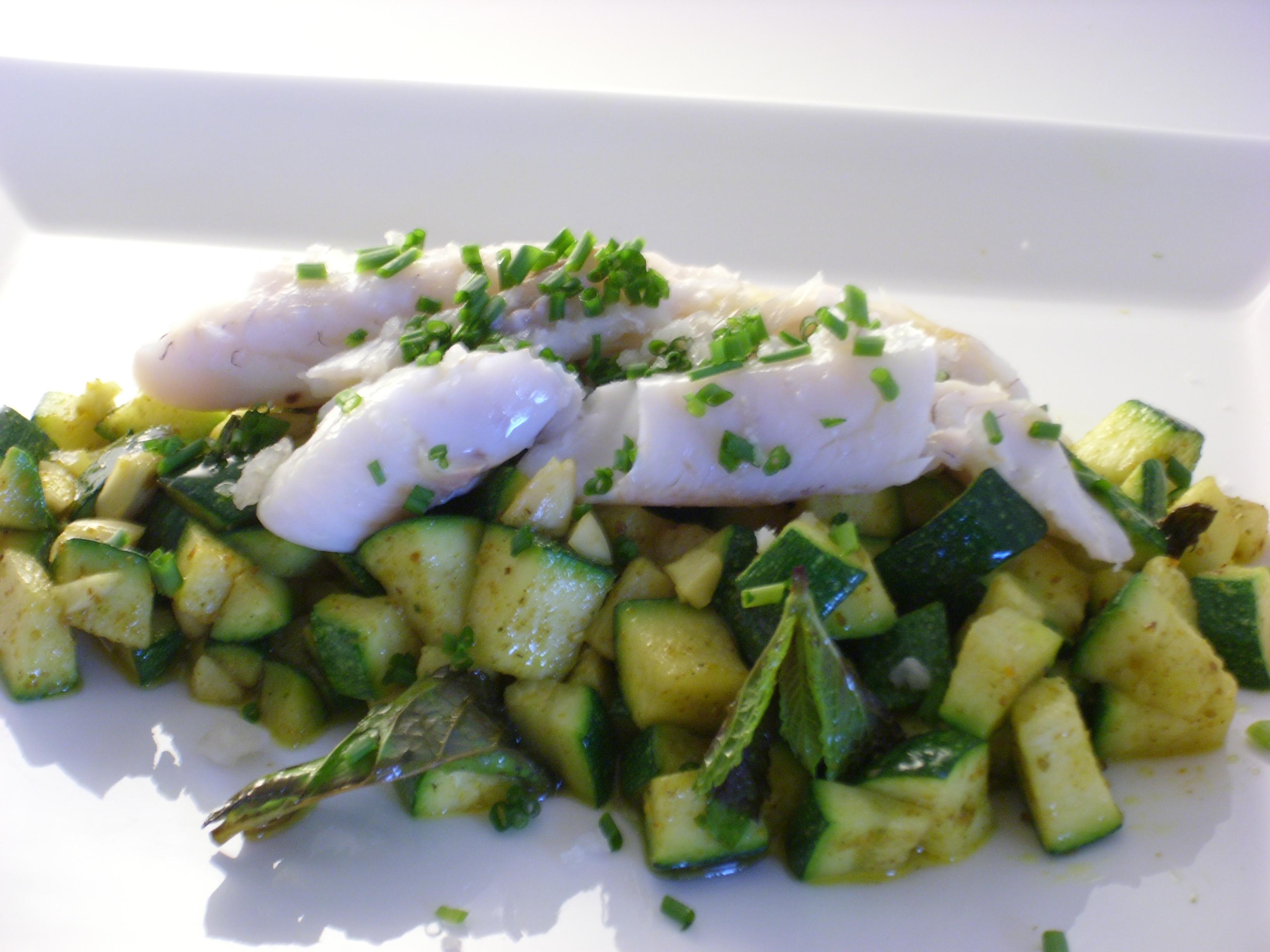 insalata di zucchine menta mandorle e nasello
