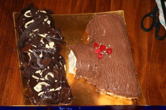 Dolci natalizi: rotolo al cioccolato e tronco di Natale