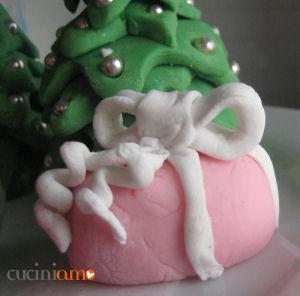 pacchettino regalo in pasta di zucchero