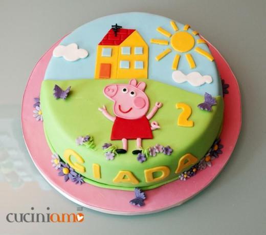 Una coloratissima torta compleanno con Peppa Pig
